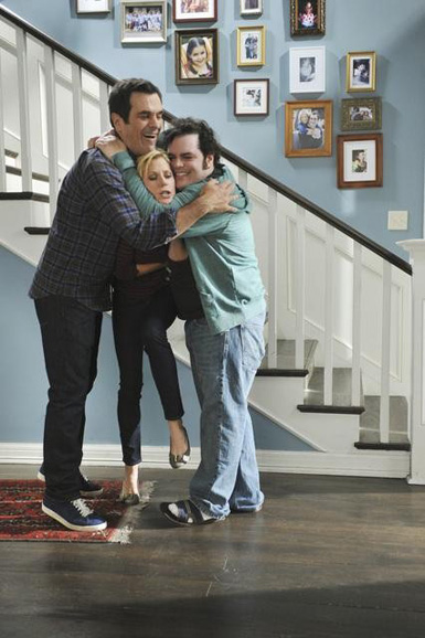 interview  josh gad talks modern family