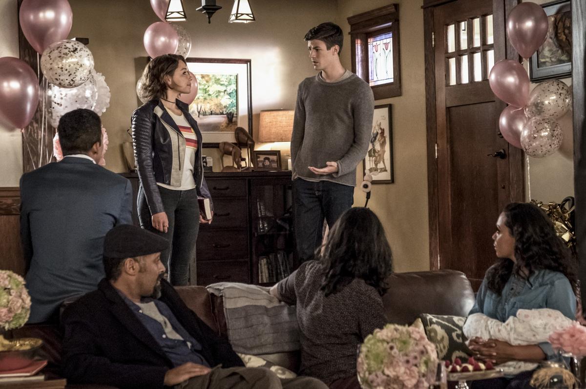 THE FLASH Season 5 Premiere Photos: Nora Joins the Family ...